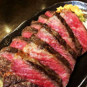 『牛肉の鉄板焼』と『生ビール』