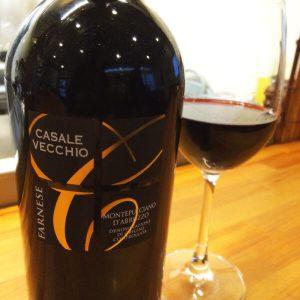 『神の雫』にも登場した赤ワイン『カサーレ ヴェッキオ モンテプルチアーノ ダブルッツォ ファルネーゼ』